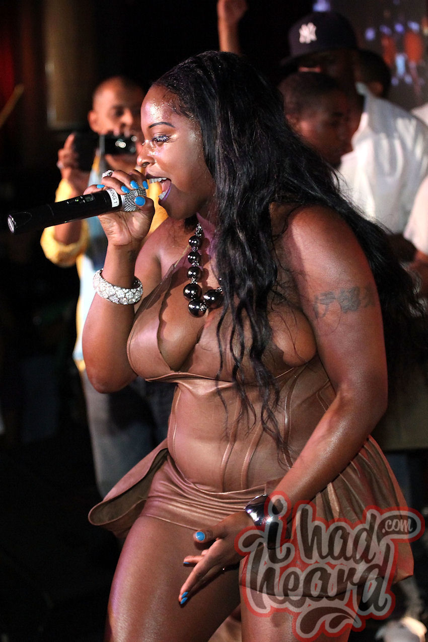 foxy brown naked pic
