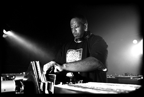 DJ Premier speaks on turntables, Serato and what it takes to be a DJ (Video)