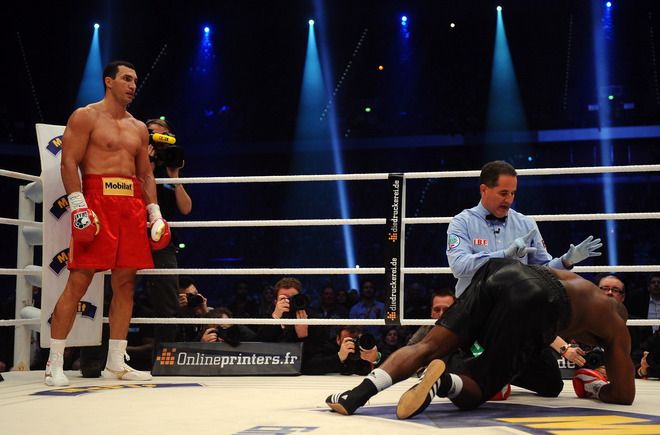 Wladimir Klitschko Notches 50th KO With Whitewash Victory Over ...