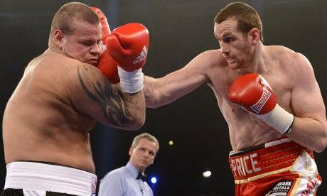David Price punches Istvan Ruzsinszky