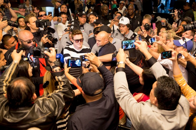 001_Canelo_with_fans