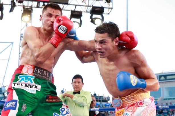 Omar Figueroa vs Daniel Estrada