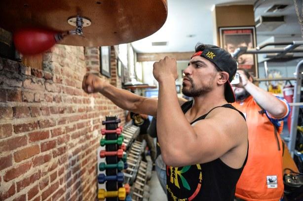 Victor Ortiz Media Workout_Workout_Idris Erba _ Premier Boxing Champions10