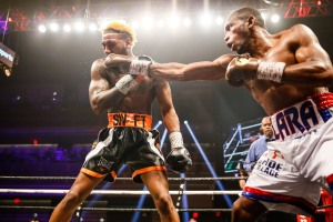 LR_SHO FIGHT NIGHT-LARA VS HURD-TRAPPFOTOS-04072018-1566
