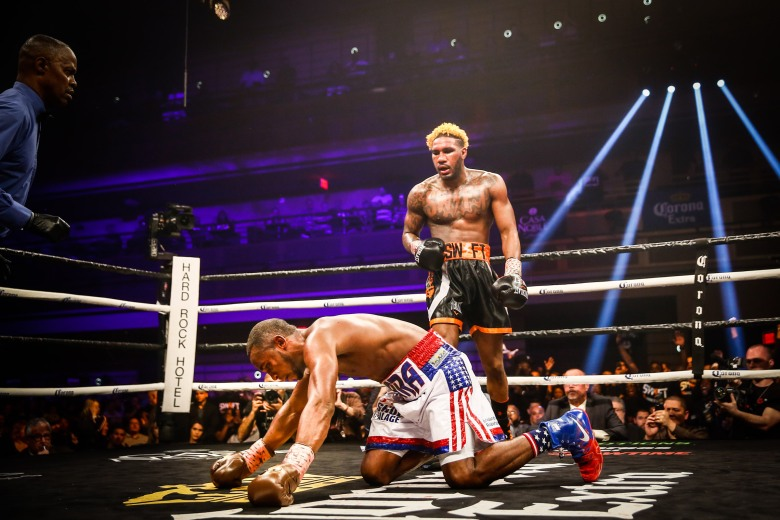 LR_SHO FIGHT NIGHT-LARA VS HURD-TRAPPFOTOS-04072018-2214