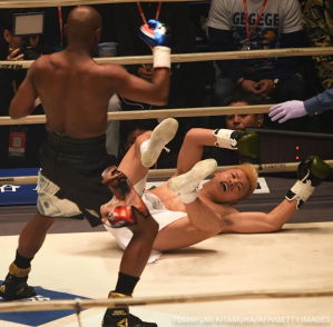 Mayweather_Nasukawa_knockdown