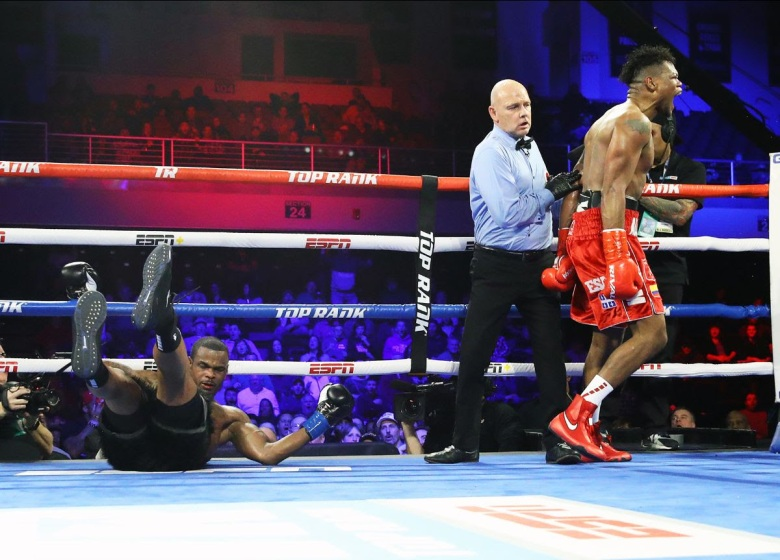 Alvarez_Seals_knockout